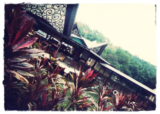 Floating restaurant at Tun Fuad Stephens Park